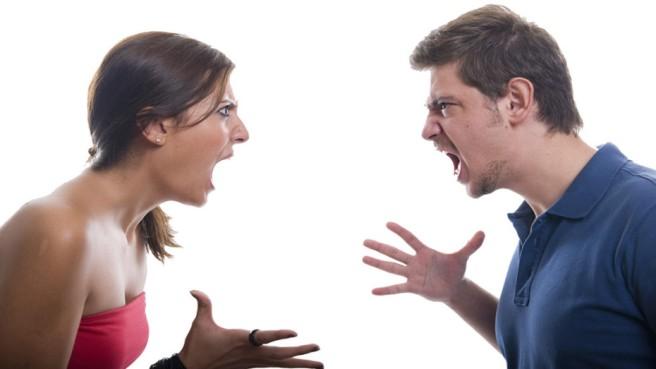 Risultati immagini per 2 persone che gridano